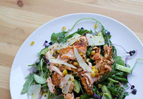 Grilled Salmon and Asparagus on a bed of Arugula Salad